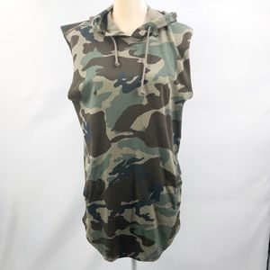 Pacsun longer fit Hooded/sleeveless camo skirt